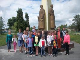 Члены экологического клуба «Муравей»  приняли участие в акции «Памятник»