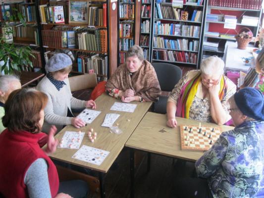 День настольных игр  и занятий по укреплению здоровья в Тихвинской сельской библиотеке